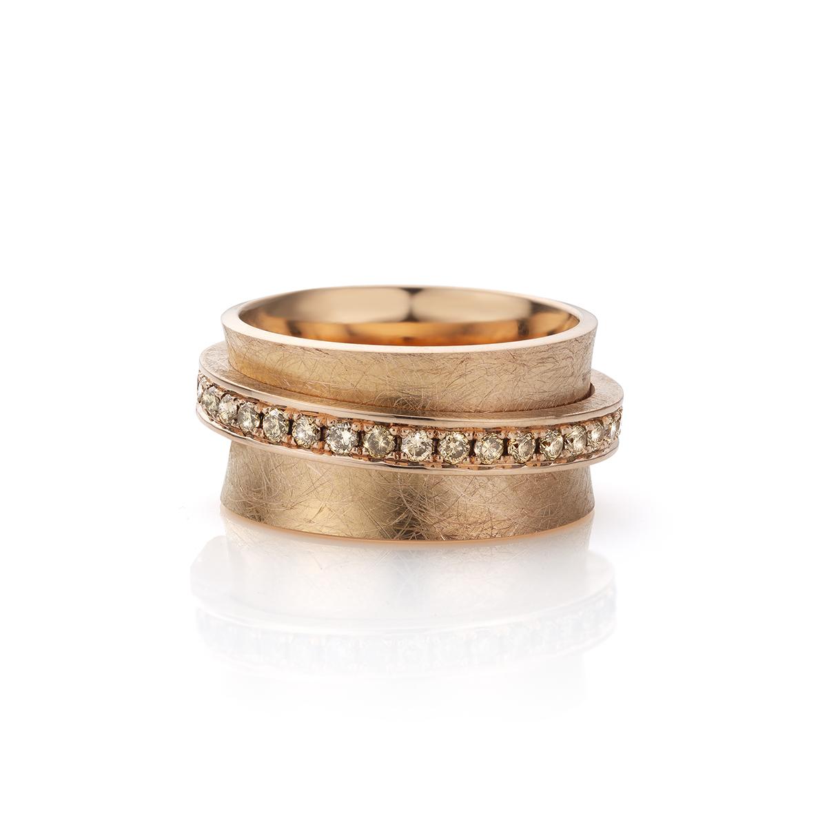 MOYA Carrouselring rood goud met champagne kleurige diamanten