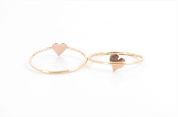 twee gouden MOYA hart onder de ring