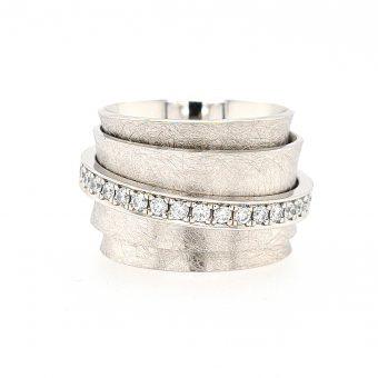 Carrousel ring platina
