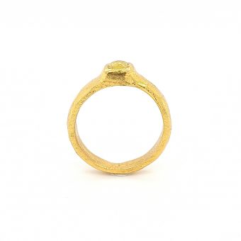 MOYA Raw Elegance 22k gold ring with yellow rosecut diamond