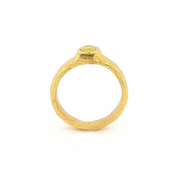 MOYA Raw Elegance 22k gouden ring met gele roos geslepen diamant