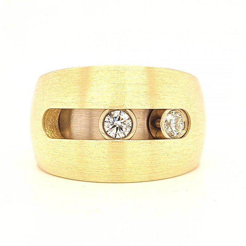 MOYA ring moving ash diamonds