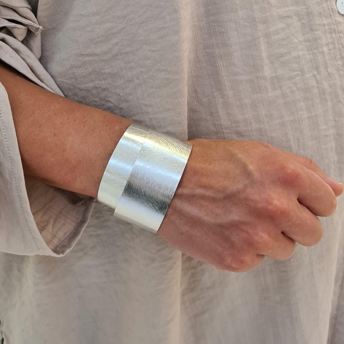 MOYA sheet bracelet 30mm on arm